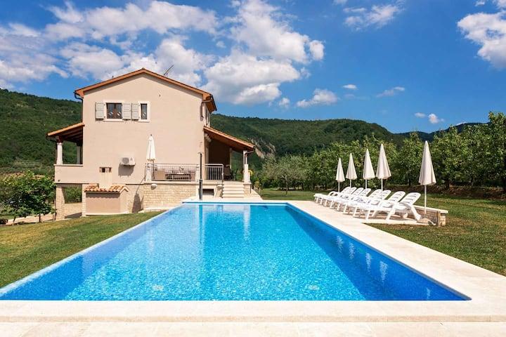Villa Alba with swimming pool