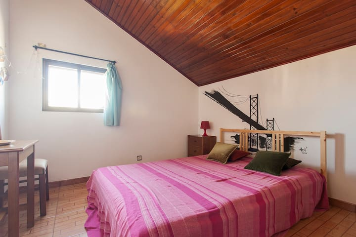 Cosy, sunny & relaxing room, Caparica-Lisboa - Caparica - Casa