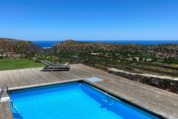 ★ A tranquil haven overlooking sea & golf court ★