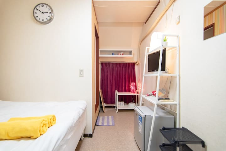 Private Simple Double room in Shinjuku / Free WiFi