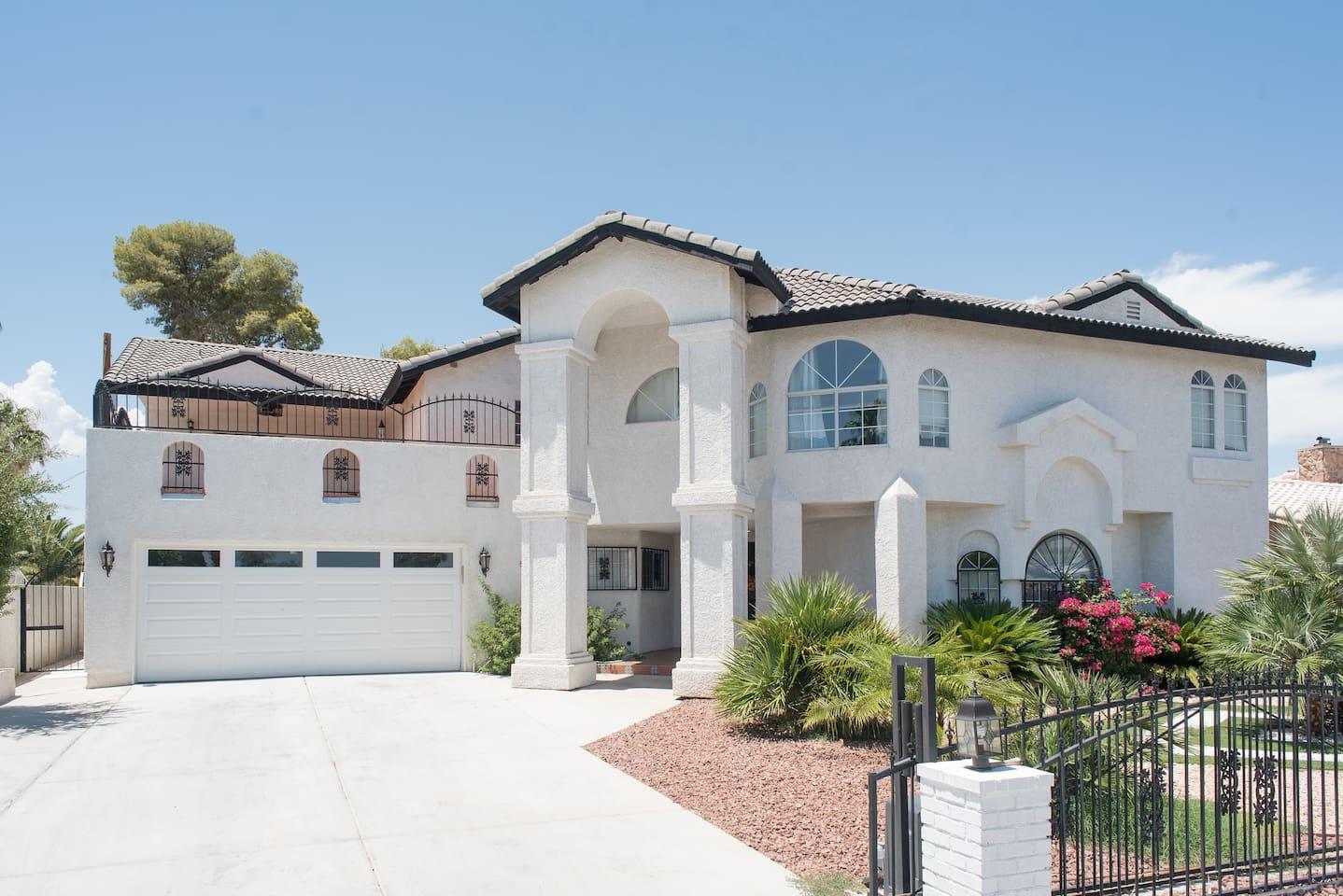 Our favorite Henderson Nevada Airbnb budget vacation rental near Las Vegas