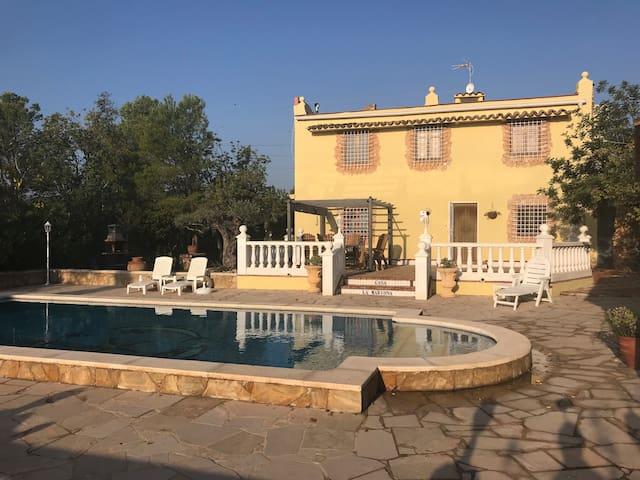 Beautiful 5 Bedroom Villa Costa Dorada with Pool