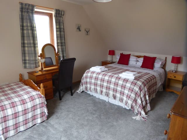 Woodend, Bed and Breakfast