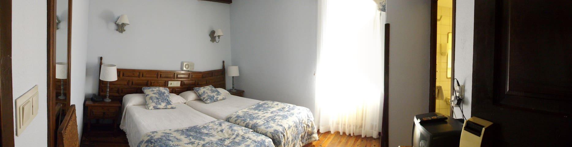 Alojamiento de montaña - Sallent de Gállego - Bed & Breakfast