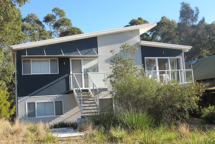 Retreat to Treetops at Moruya Heads