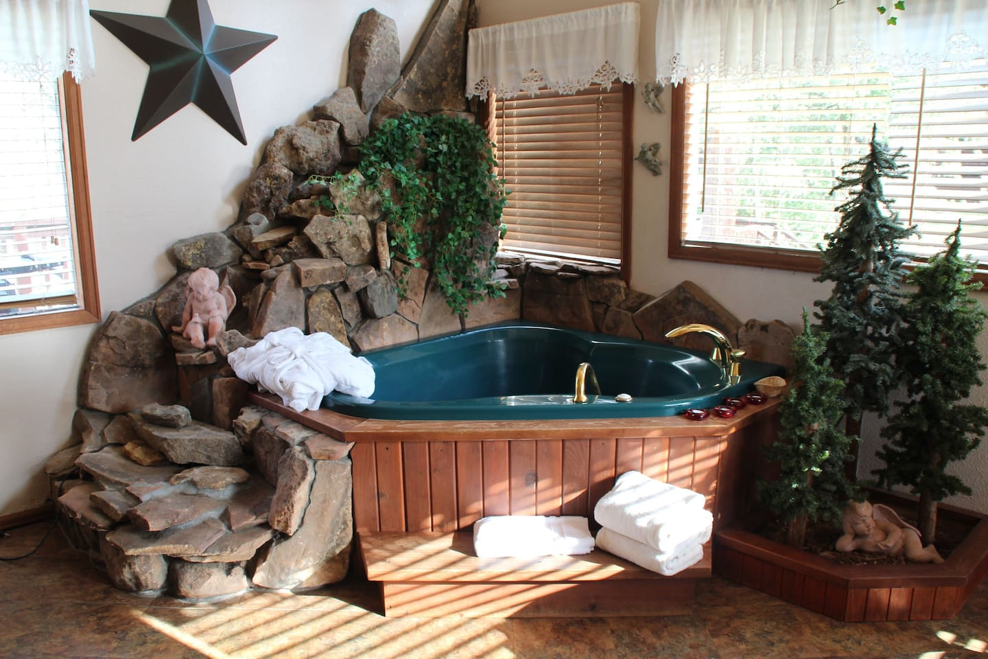Fill your 5' x 5' private jet tub with fresh, hot water every time you climb in!