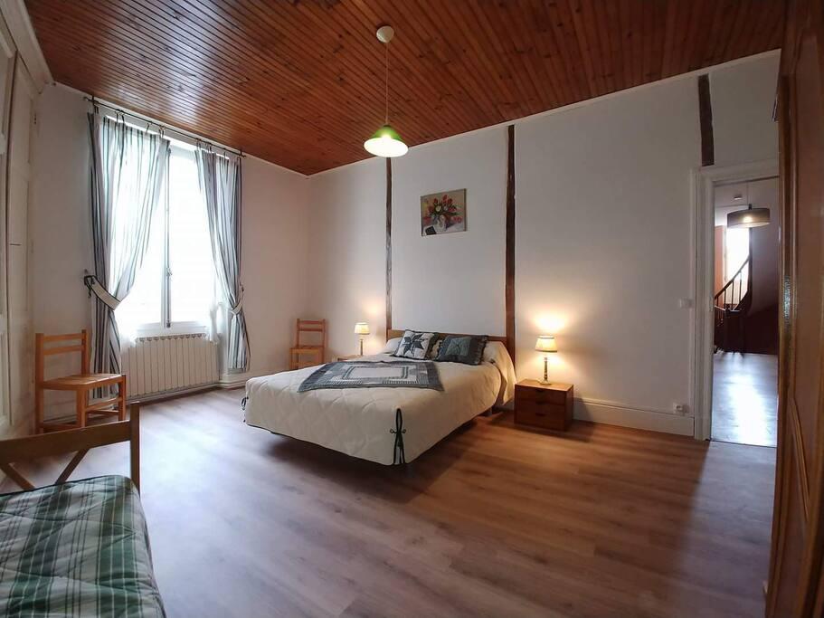 Chambre, 1 lit double 140 cm