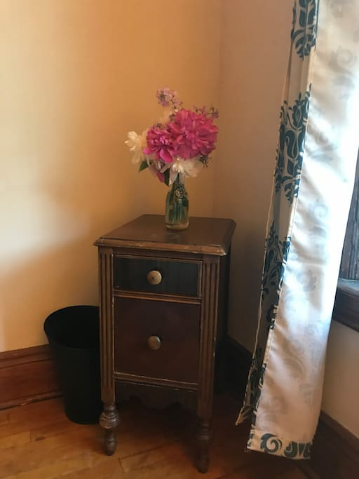 Small End Table with drawers for storage