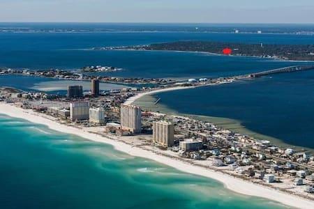 Surfer's Hideaway - Gulf Breeze - บ้าน