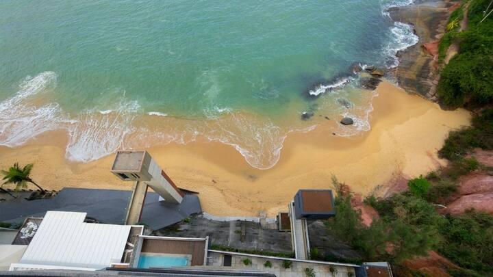 Praia da Areia Preta - 3 Quartos - Frente pro mar .