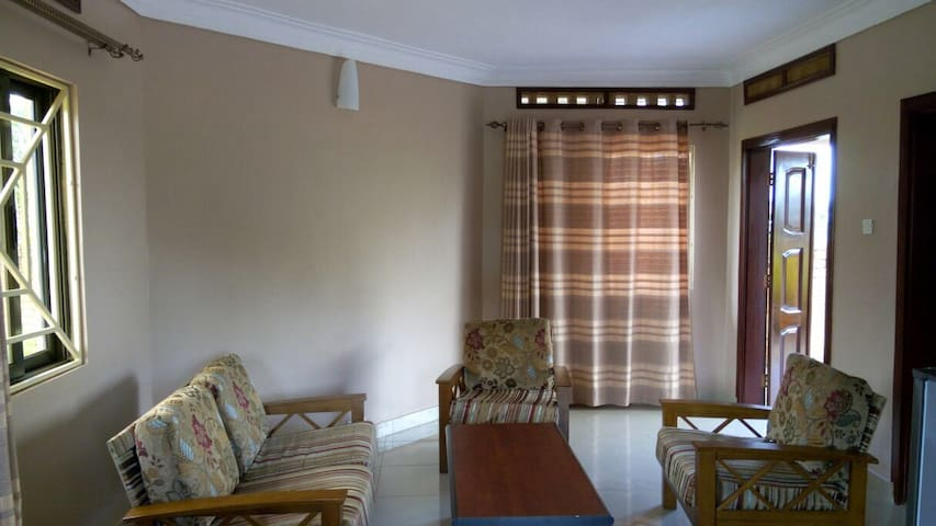 CASA DO SOL(HOME OF THE SUN) - Entebbe - Serviced apartment