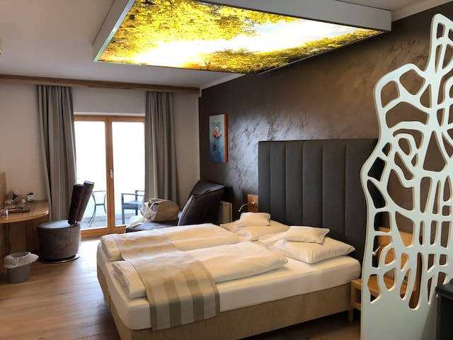 Thula Wellnesshotel Bayerischer Wald (Lalling), Kuschel-Doppelzimmer mit Balkon