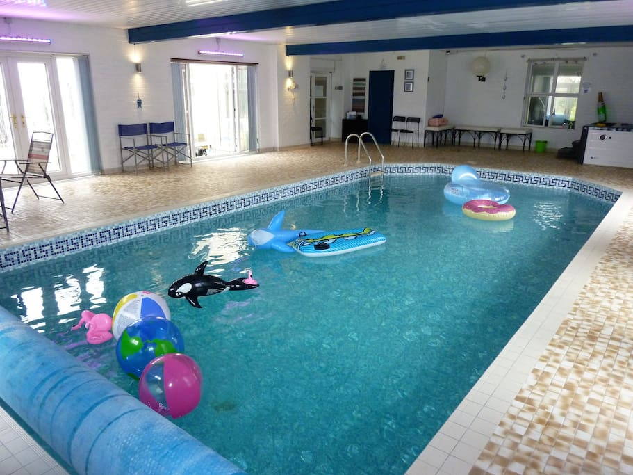 Party house indoor pool hot tub 2 acre gardens - Hen party houses with swimming pool ...