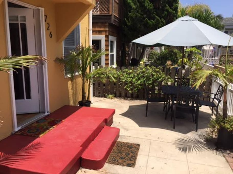 Large outdoor private patio