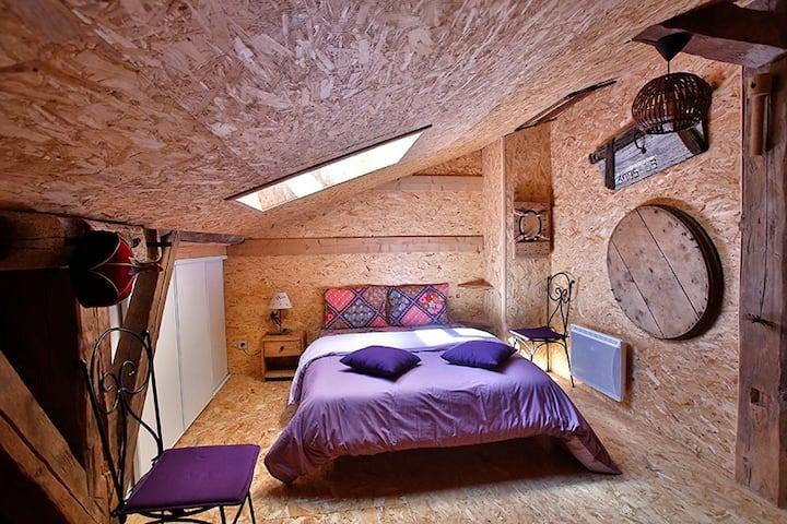 Chambre/vieille ferme + sauna/bain au feu de bois