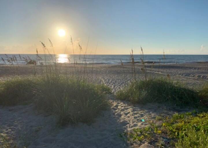 Indian Harbour Beach, Florida  Ocean front Condo