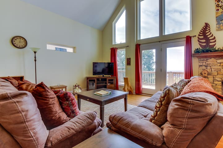 Mountain home w/ sweeping views, game room, & resort amenities w/ shared pool