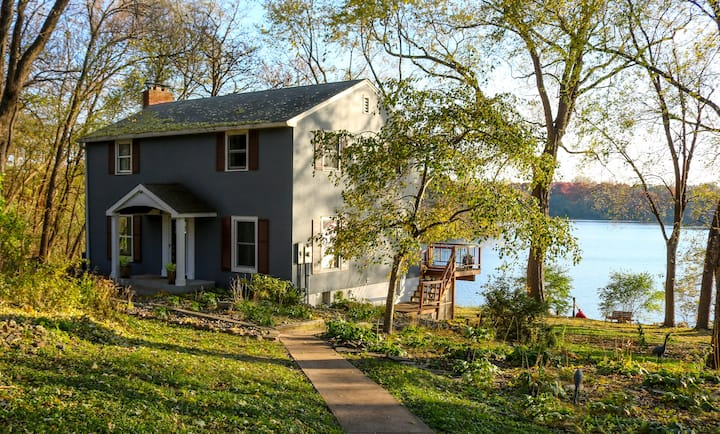 Private Lake Home Retreat w/ HotTub