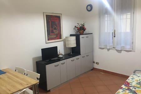 Mini appartamento in centro storico - 라벤나