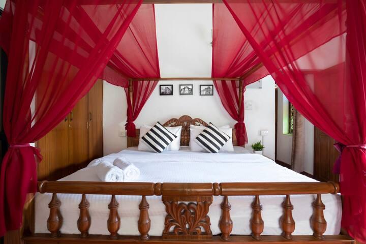 The Vintage Villa | Anjuna | Goa - By HindustanBnB