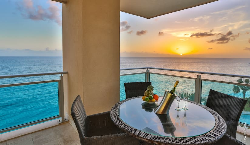 The Cliff-Oceanfront deluxe condo - Lowlands - Wohnung