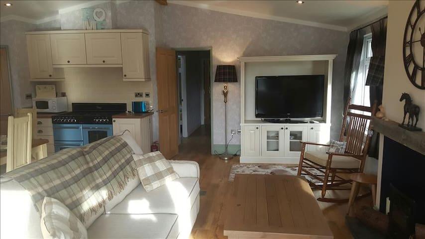 2 Bedroom Luxury Lodge at Elm Farm - Clacton-on-Sea - Otros