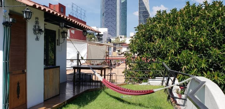 Private room with terrace to relax in Condesa!