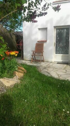 Studio meublé en banlieue Ouest de Paris. - Villepreux - Talo