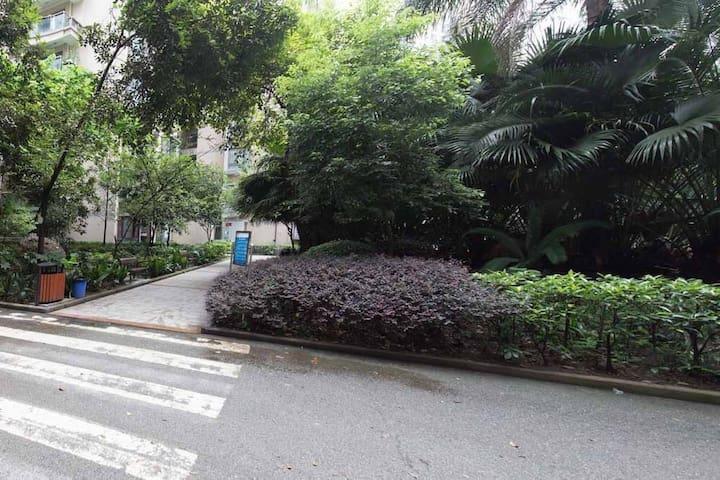 【路客】『重庆外滩』会展中心上海城丨邻近南滨路游乐园|【两居】宜居高层