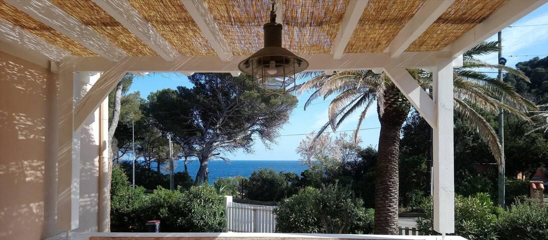 NEW ! Villa 100 m from the sea