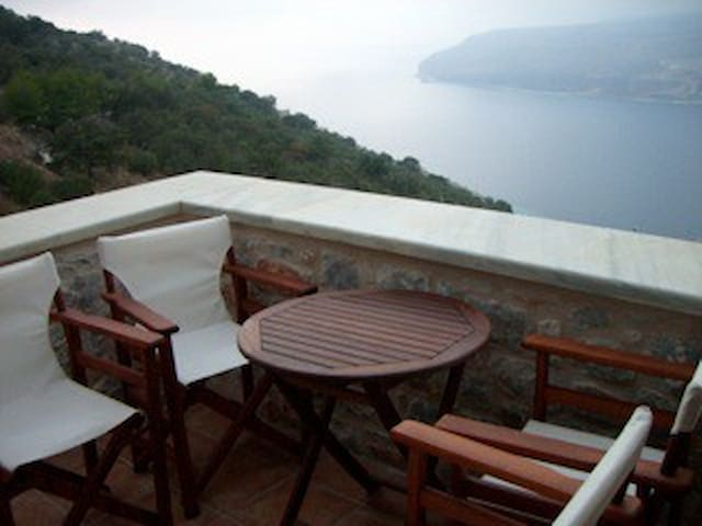 Peloponnese-Amazing views to Messiniakos bay-Mani - Lakonia - Rumah bandar