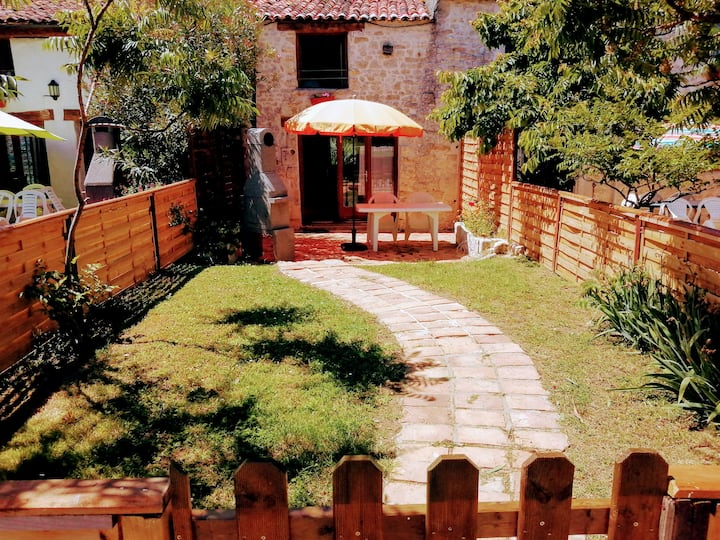 Gite 3 · 2 bedroom cottage with garden and pool