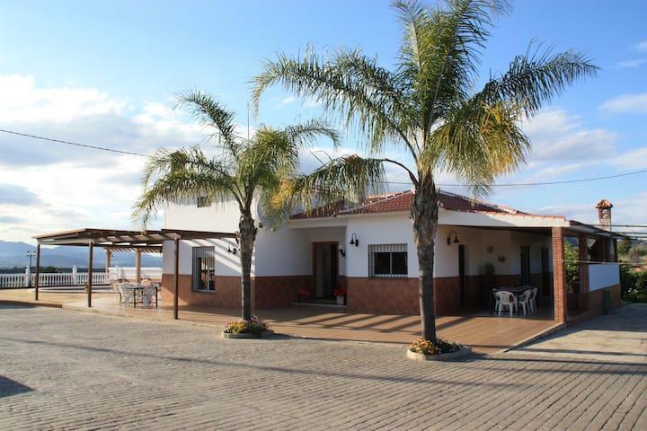 Villa Galiano, hermosa villa cerca de la playa.