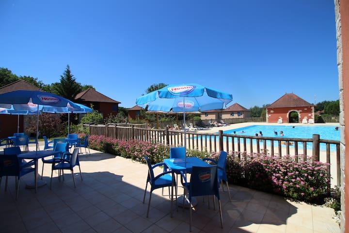 Appartement  avec piscine chauffée et wifi