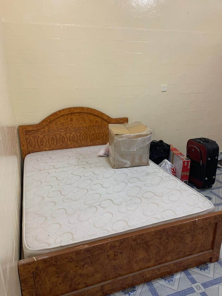 Room available for couples and families