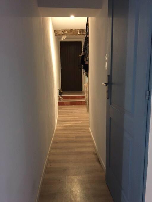 L'entre, couloir
