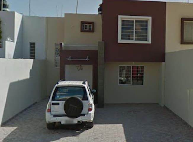 Casa equipada a 10min de centro slp