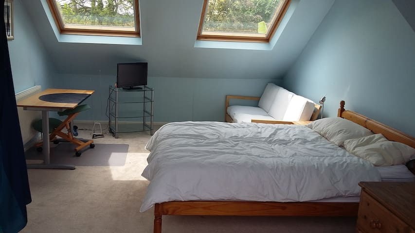 Lovely large double room with own bathroom