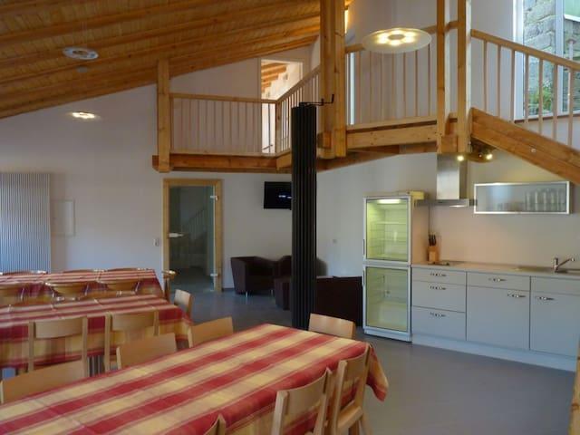 Eifel Ferienwohnung bis 10 Gäste - nähe Luxemburg - Eifelkreis Bitburg-Prüm - Apartment