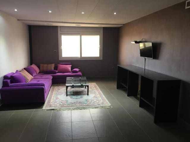 Awesome apartment in Oujda w/ 2 Bedrooms and WiFi