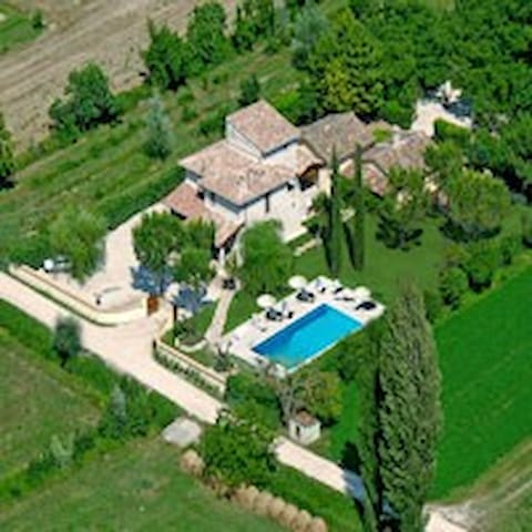 I Terzieri Country House con piscina e jacuzzi