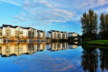 H3 Portora Wharf - Waterfront Apartment