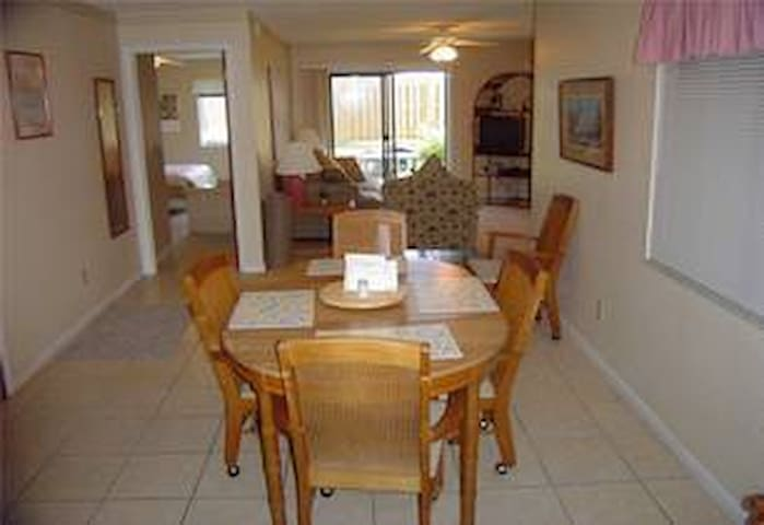 2bed/2bath Condo all to yourself-walk to the Beach