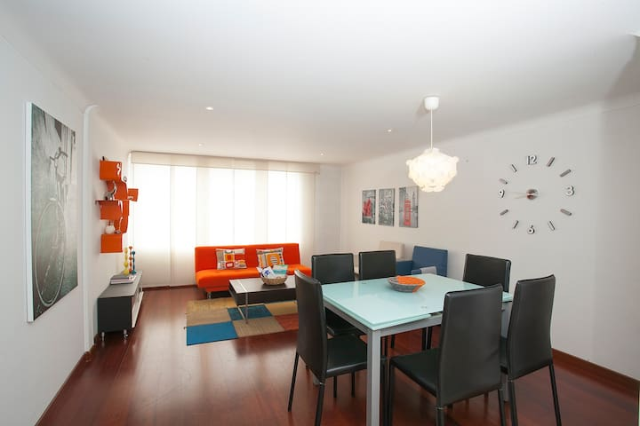 Modern, centrally located apartment