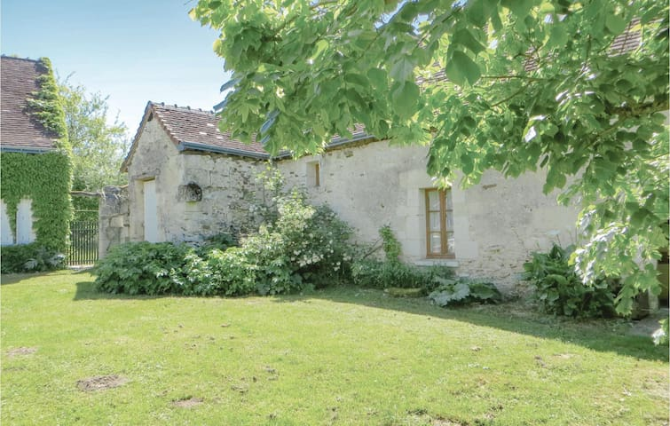 Holiday cottage with 2 bedrooms on 52m² in Loches
