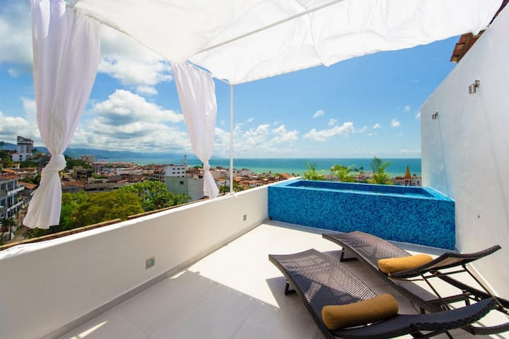 Casita with Private Pool and Ocean Views