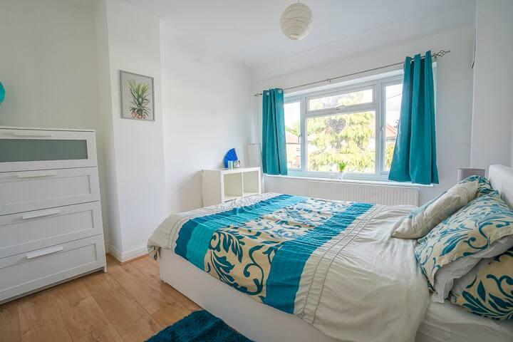 Catch sweet dreams in our Ocean Room Near Heathrow