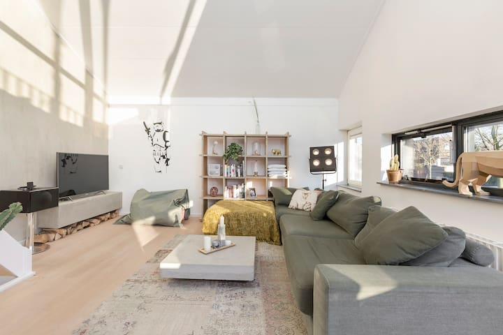 Unique and spacious loft Utrecht