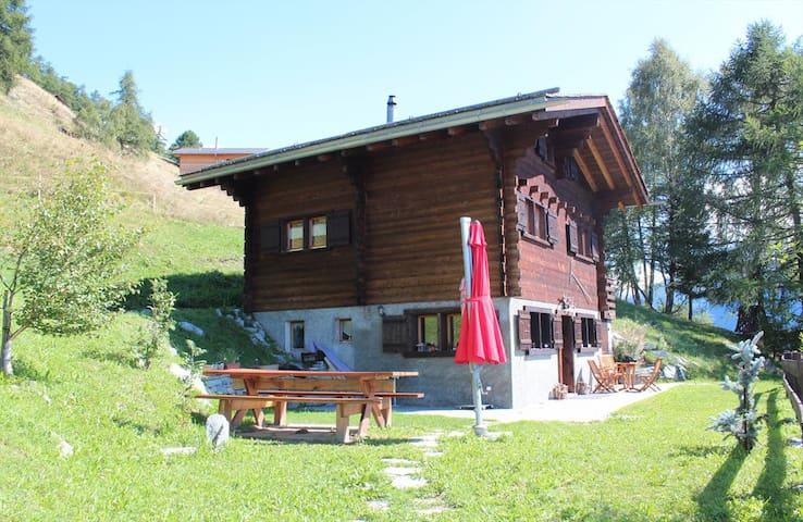 Beautiful and cosy chalet with garden in the Val d'Hérens