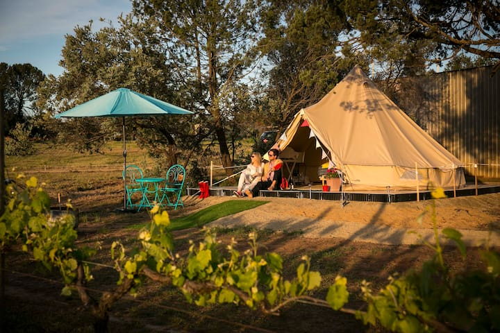 Grapevine Glamping B&B Quartz Vein Tent - Wahgunyah